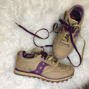 Saucony Jazz tan and purple sneakers